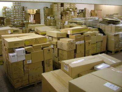 110 LOTS SURPLUS MANUFACTURES EN STOCK